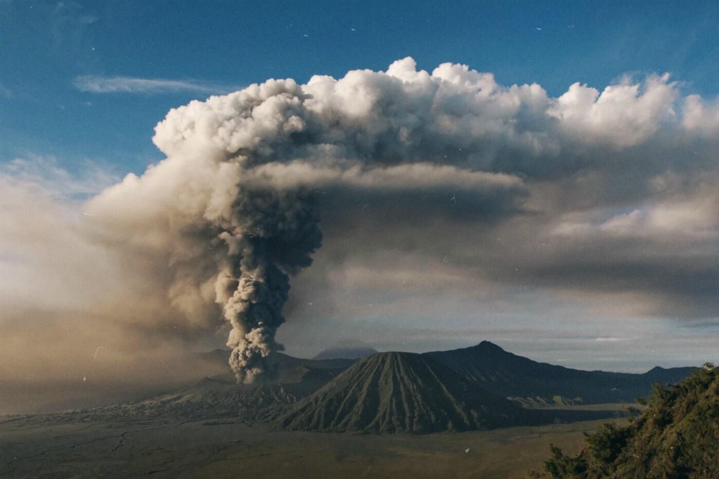 Как покорить вулкан Бромо: два незабываемых маршрута