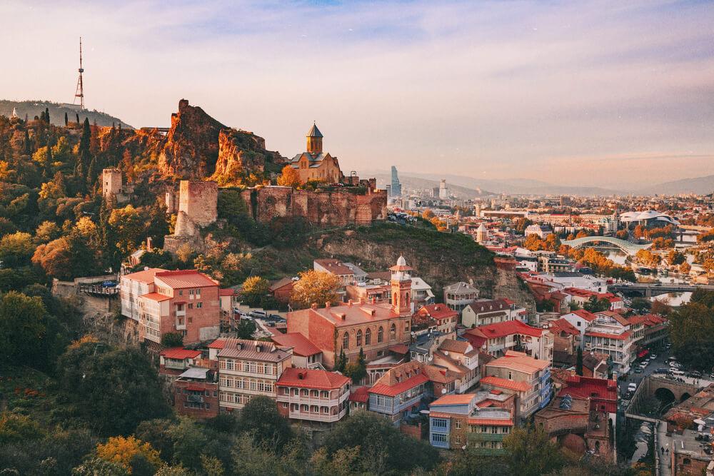 Научись есть хинкали правильно: бюджет на 5 дней в Тбилиси