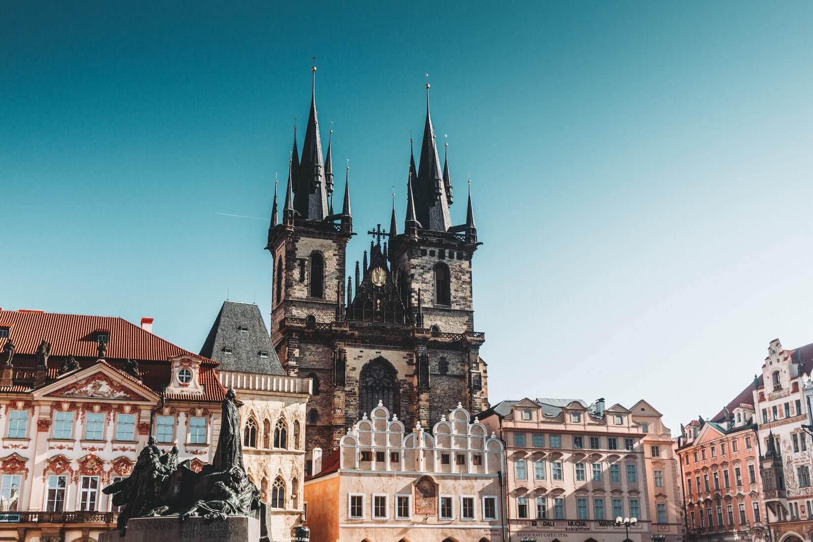 Как работать удалённо из Праги: коворкинги, общество, жильё