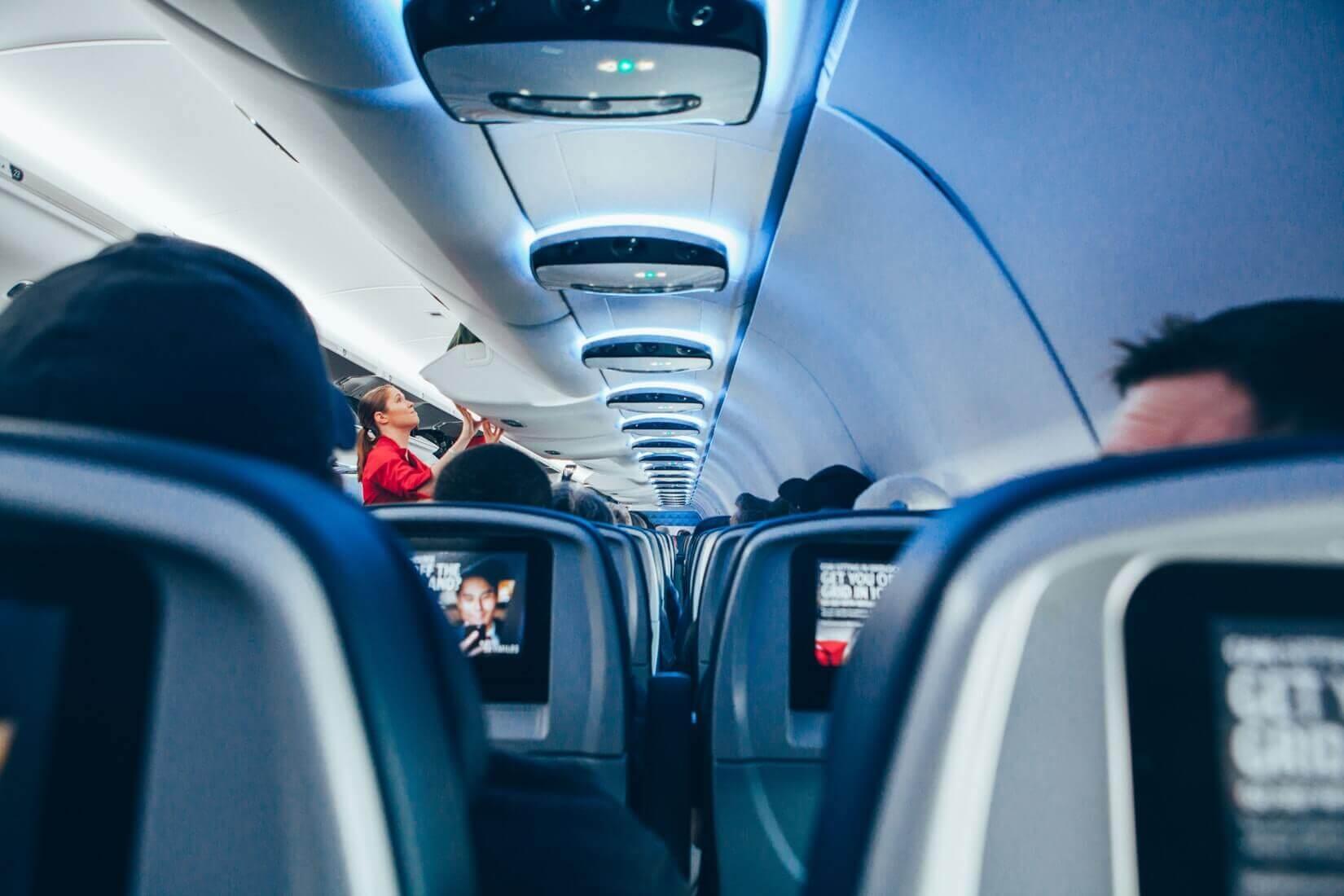 Поясним за новости: будут ли рассаживать семьи в самолёте