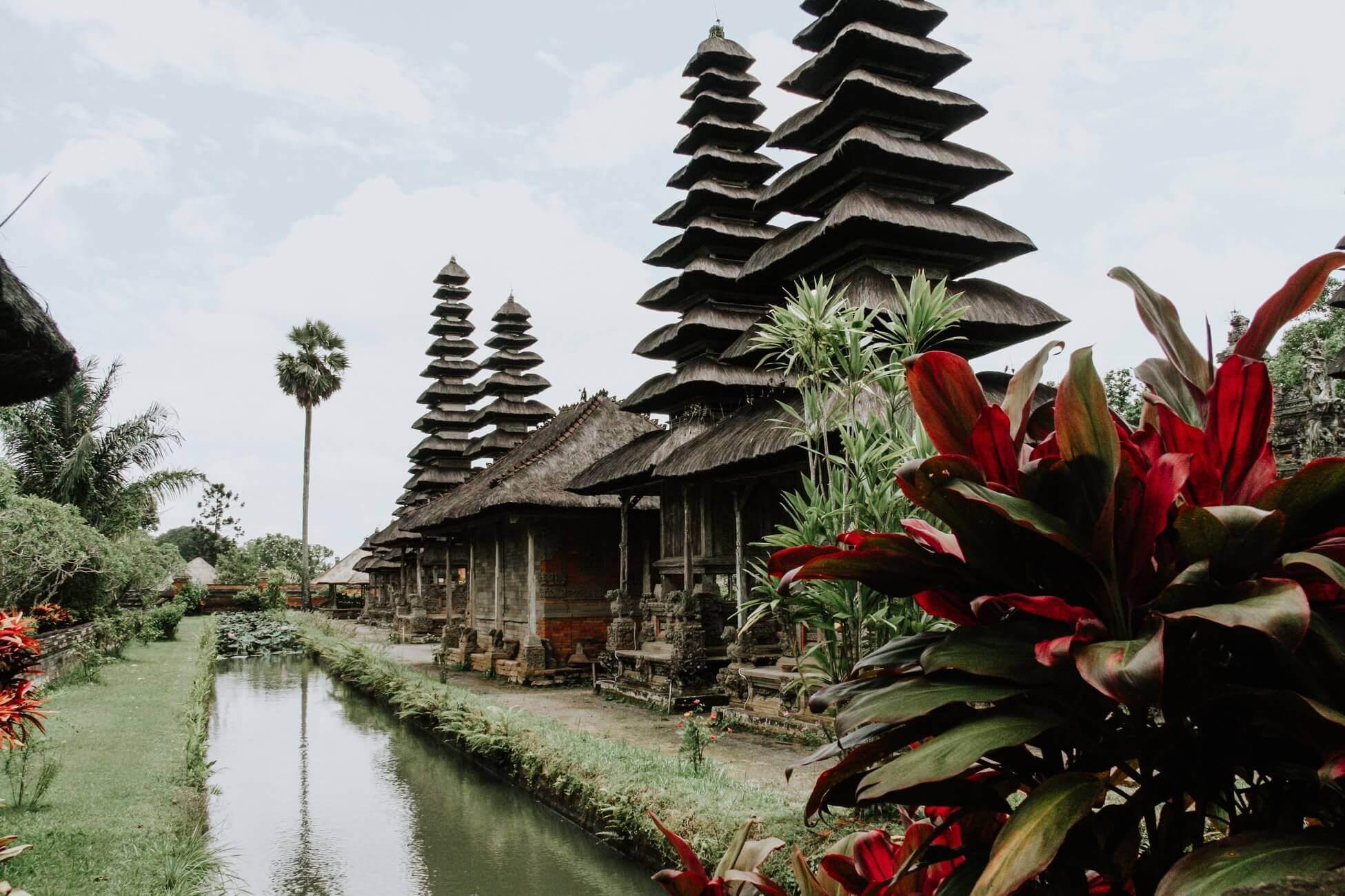 Поясним за новости: отмена регулярных рейсов на Шри-Ланку и Бали