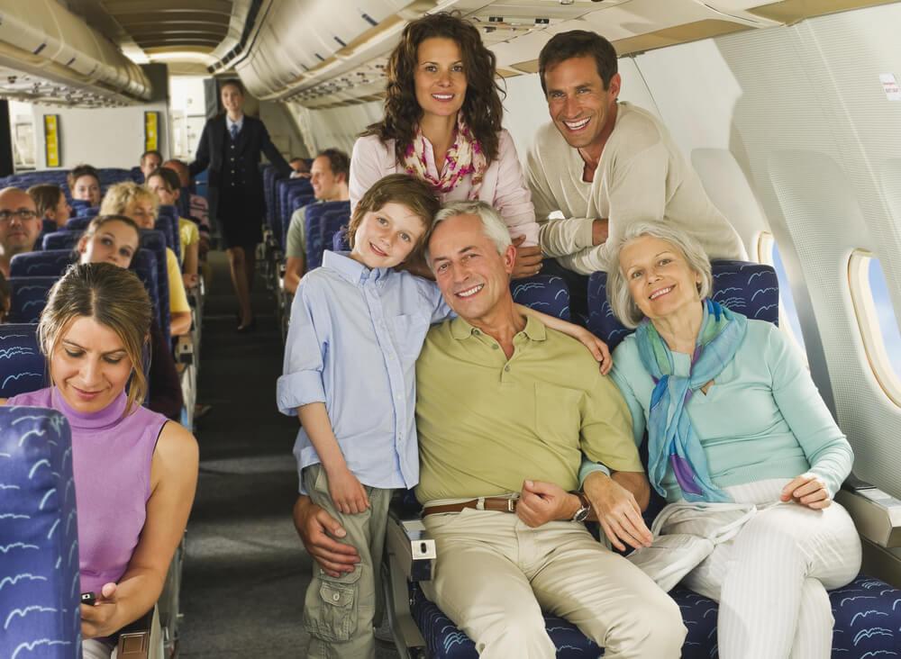 Ваша семья позорит вас в самолёте — что делать