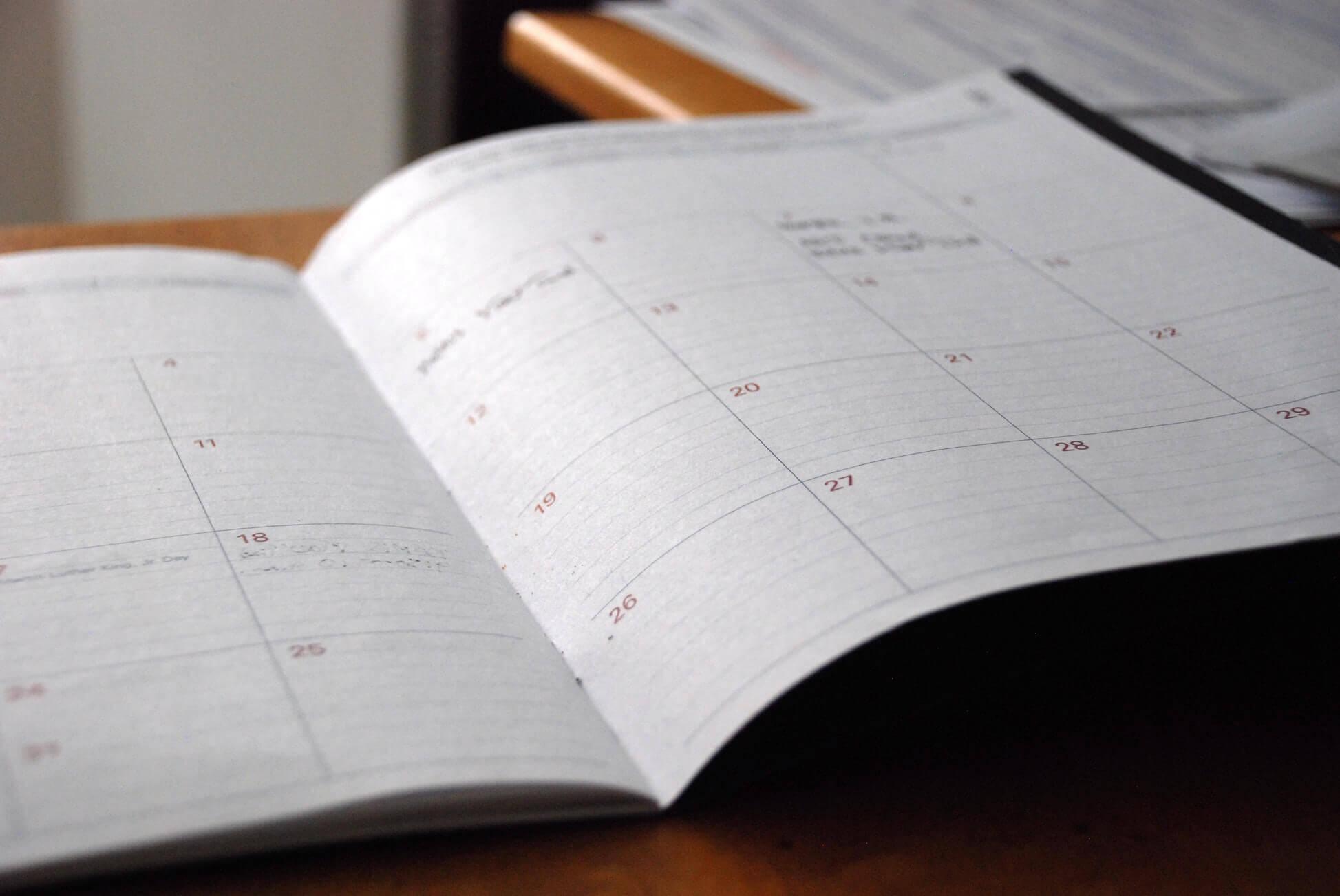 Поясним за новости: выходные дни в Новый год сократили для россиян