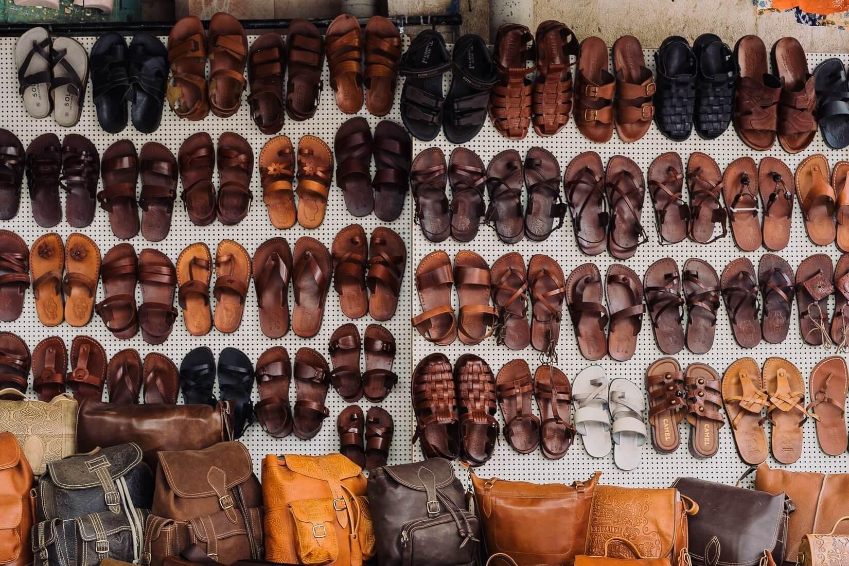 Ничего не лезет: как легко упаковать обувь в путешествие