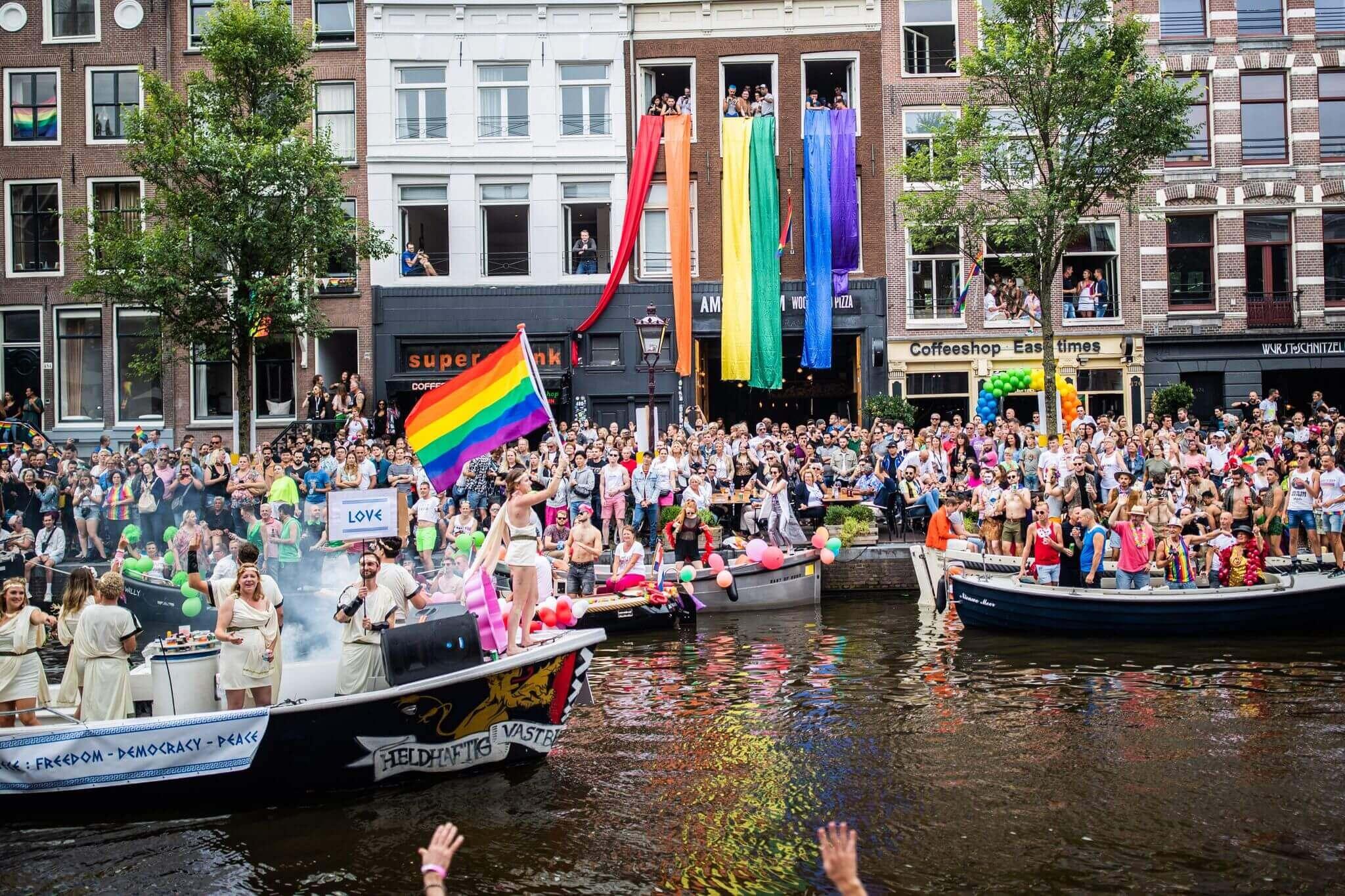 Я был на ЛГБТ-фестивале: репортаж Евгения Фельдмана