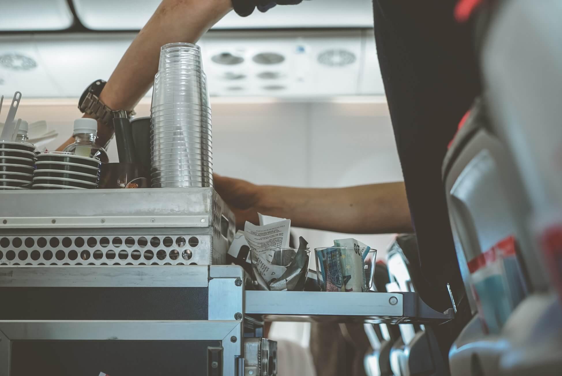 Поясним за новости: бортпроводники используют кодовые фразы