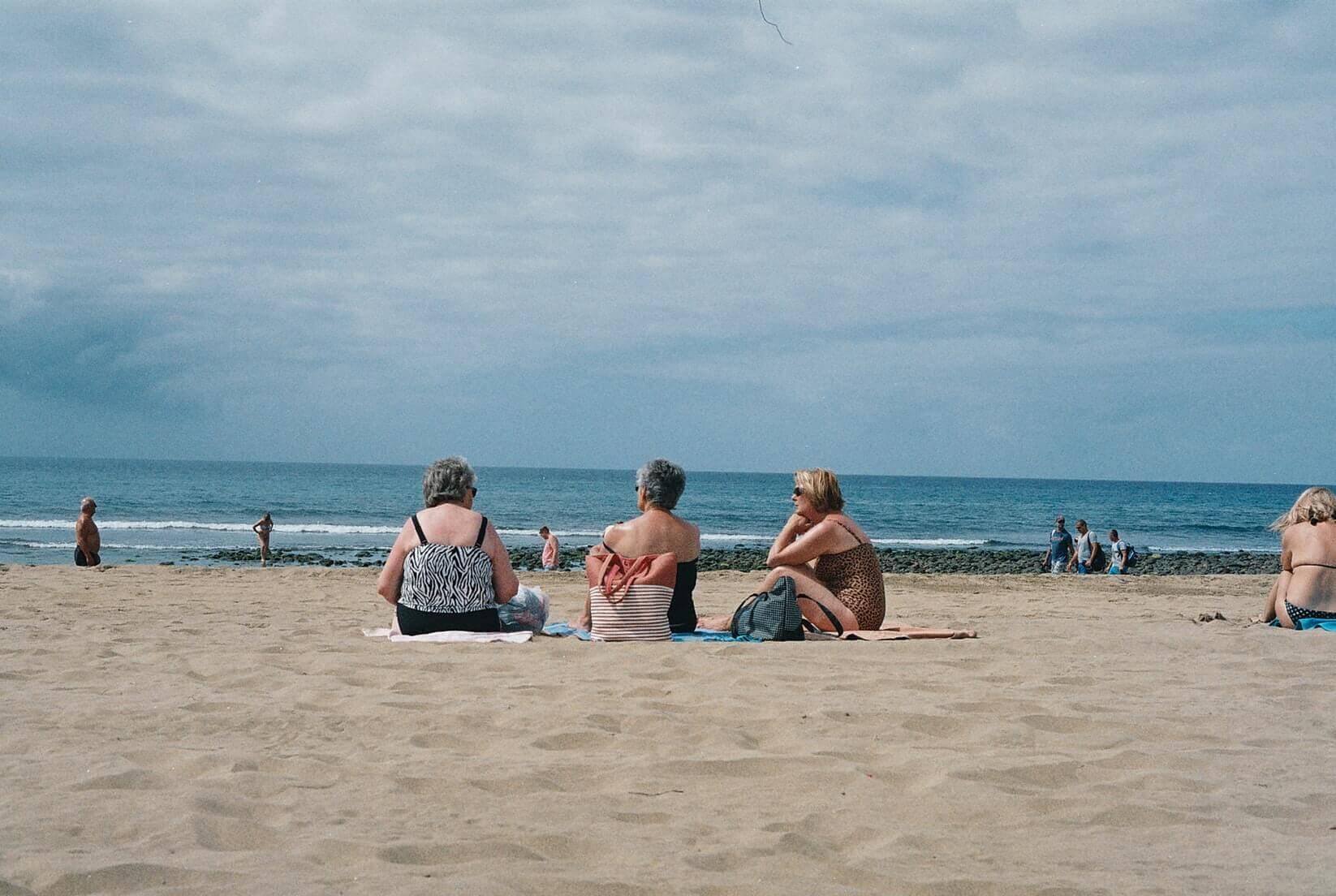 У нас были тапочки и полотенце: куда поехать на море в марте