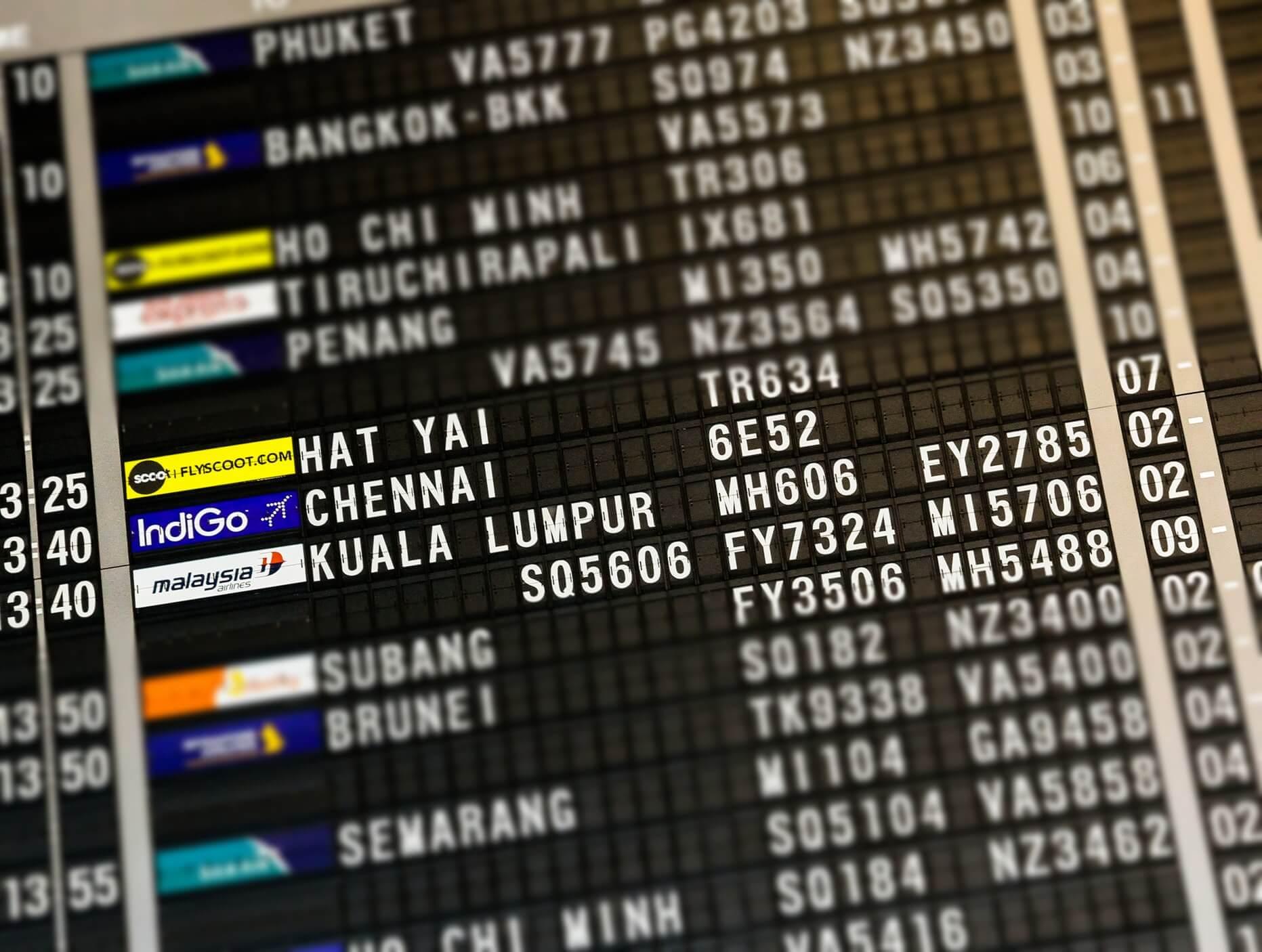 Поясним за новости: в России легализовали ваучеры за авиабилеты