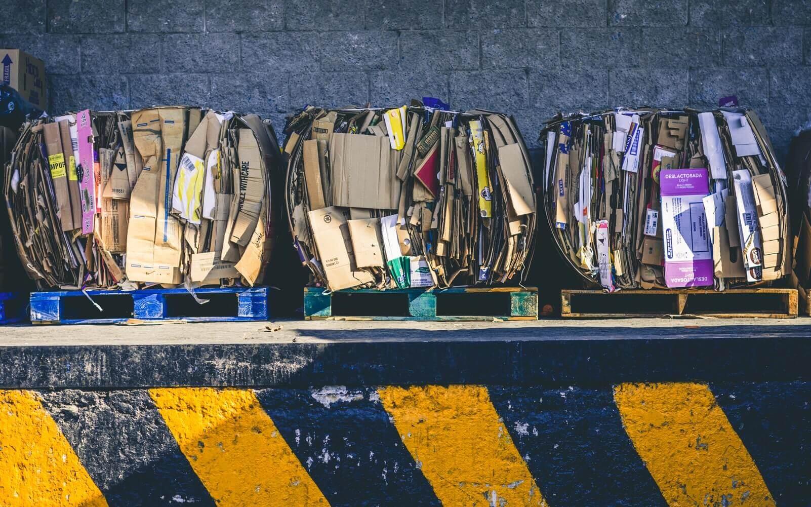 Поясним за новости: в России впервые начали сортировать отходы после перелётов