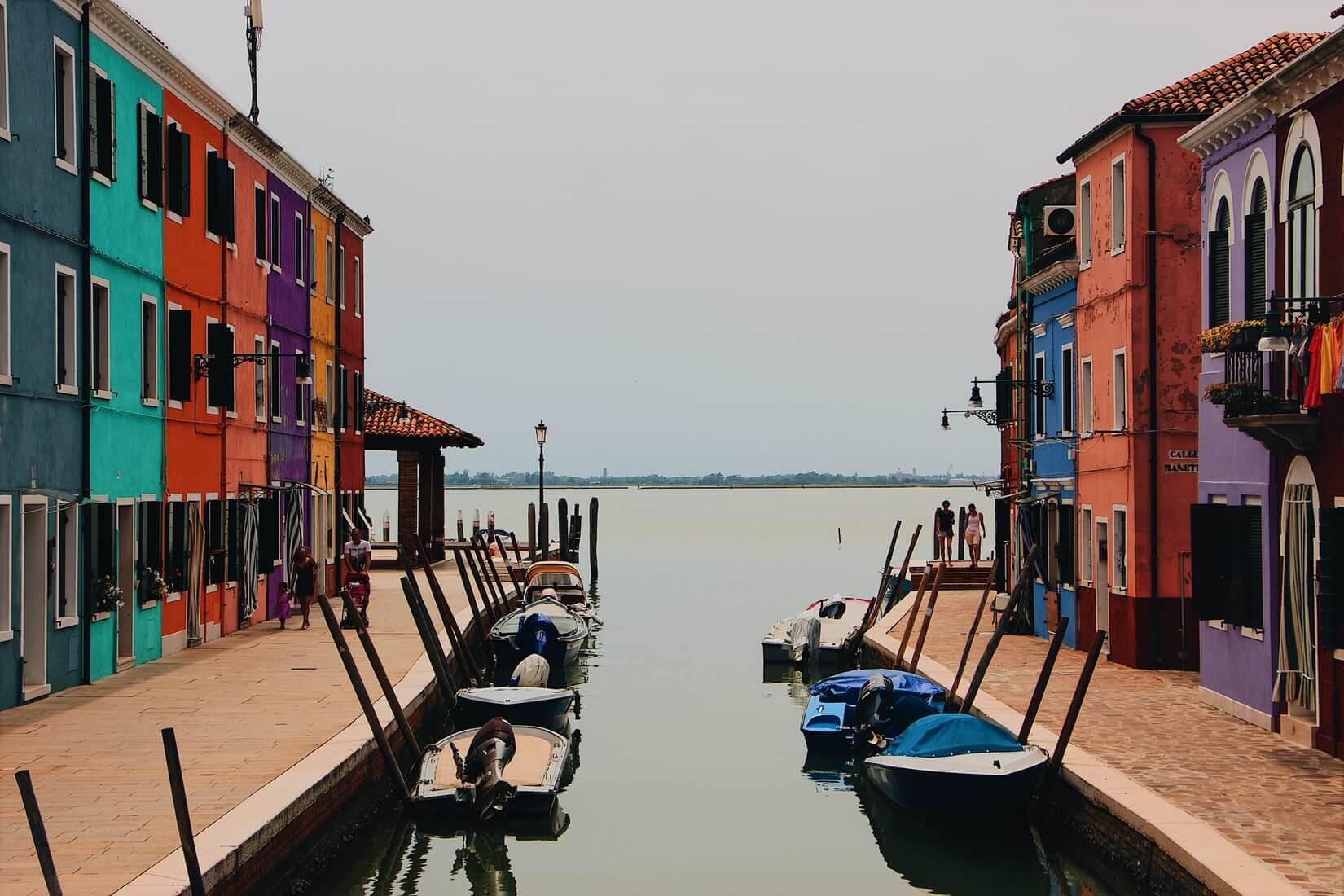 Поясним за новости: Италия меняет краткосрочную визу на годовую бесплатно