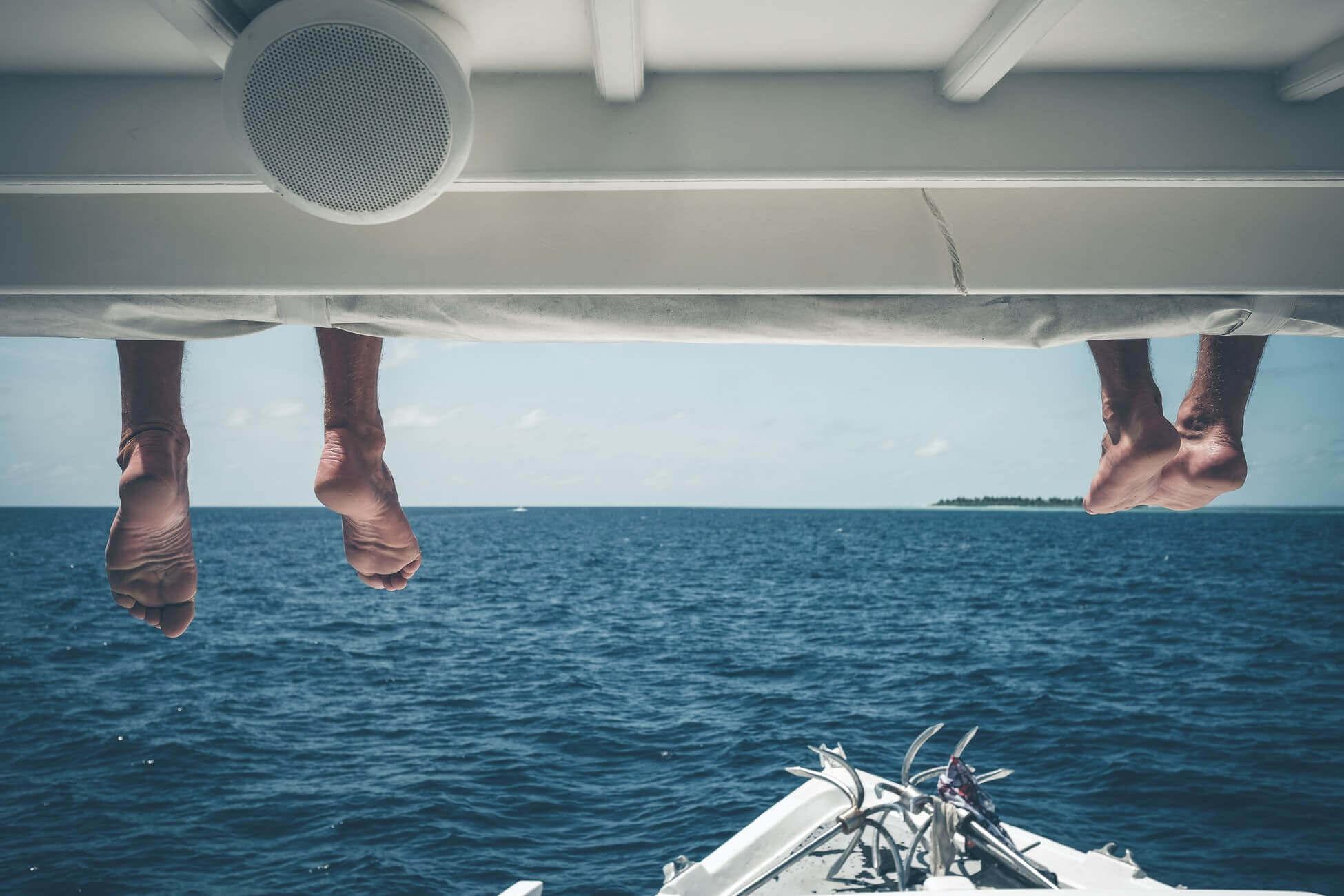 Поясним за новости: Мальдивы и Франция открываются для всех туристов в июле