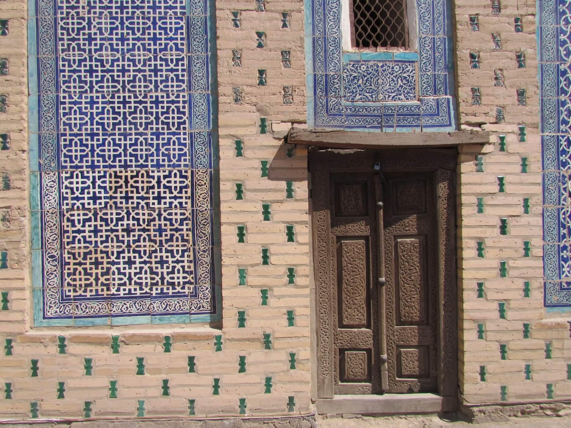 Узбекистан заплатит 3000 $ туристу, если он заразится вирусом
