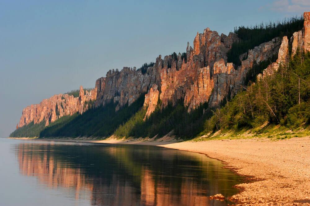Ленские столбы: скалы, бизоны и горячие пески