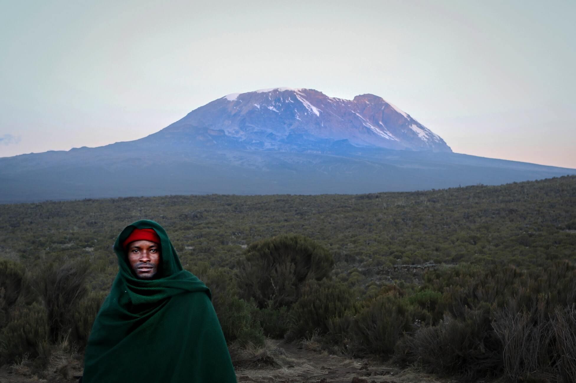 Новости Танзании: на въезде поможет Бог и справка от коронавируса