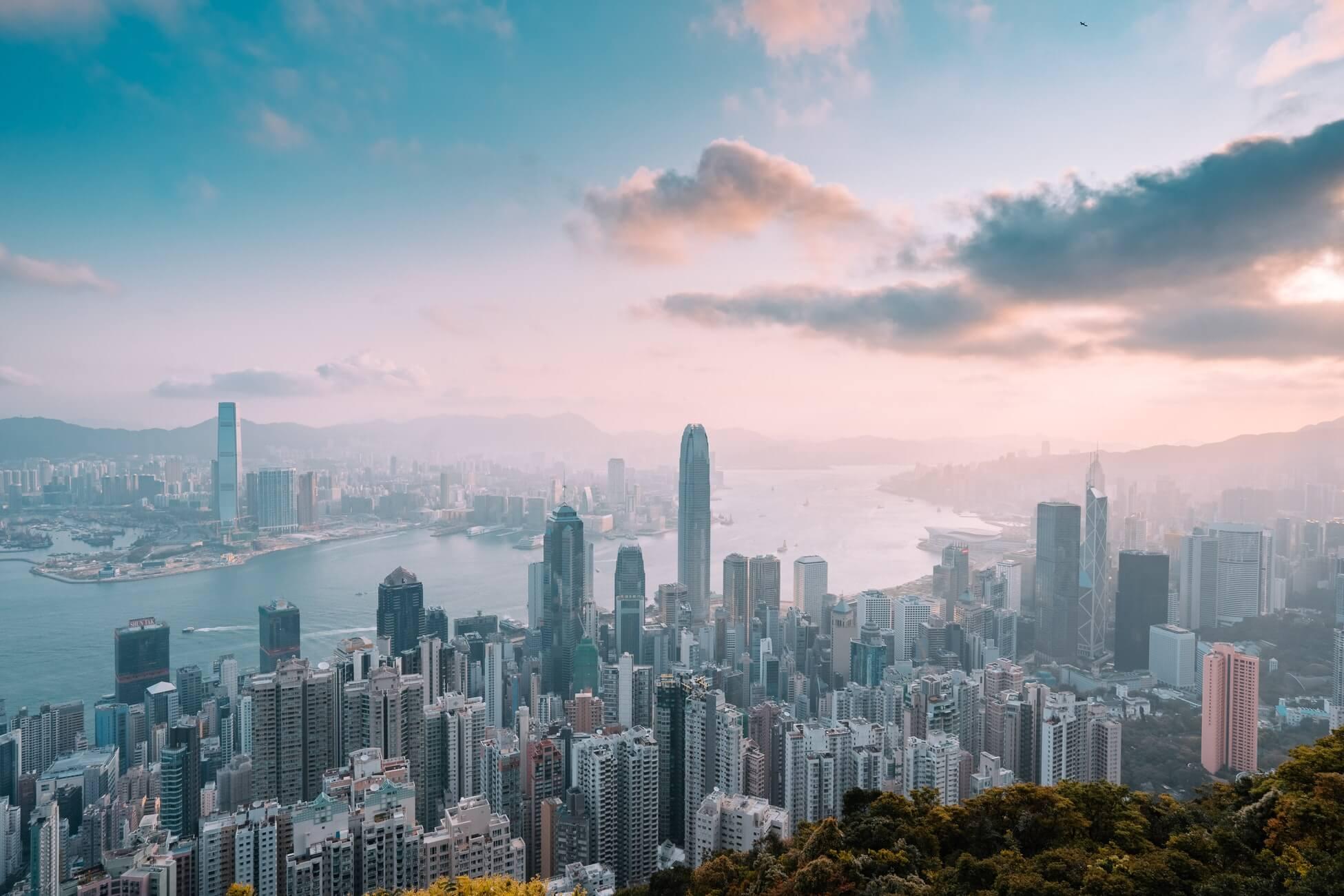 Гонконг открыт, но можно ли туда уехать?