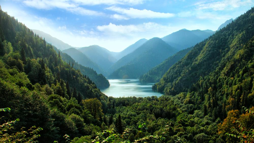 «У нас принято здороваться»: личный опыт поездки в Абхазию