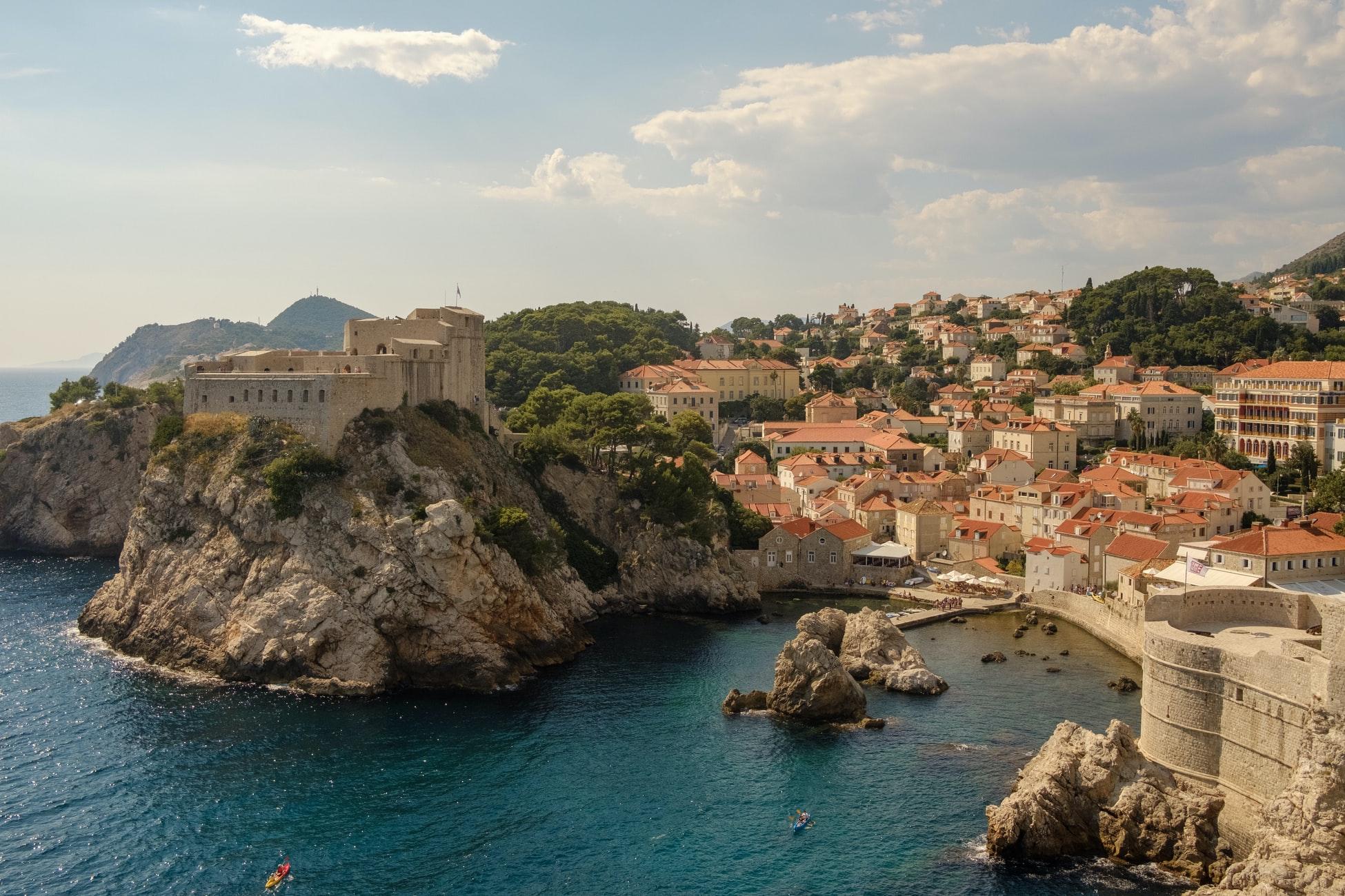Хорватия смягчила условия для привитых «Спутником»