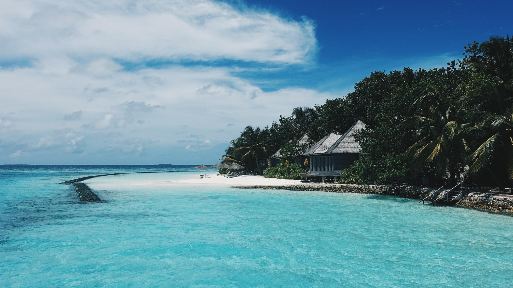 3V-туризм: Мальдивы будут прививать туристов, но потом
