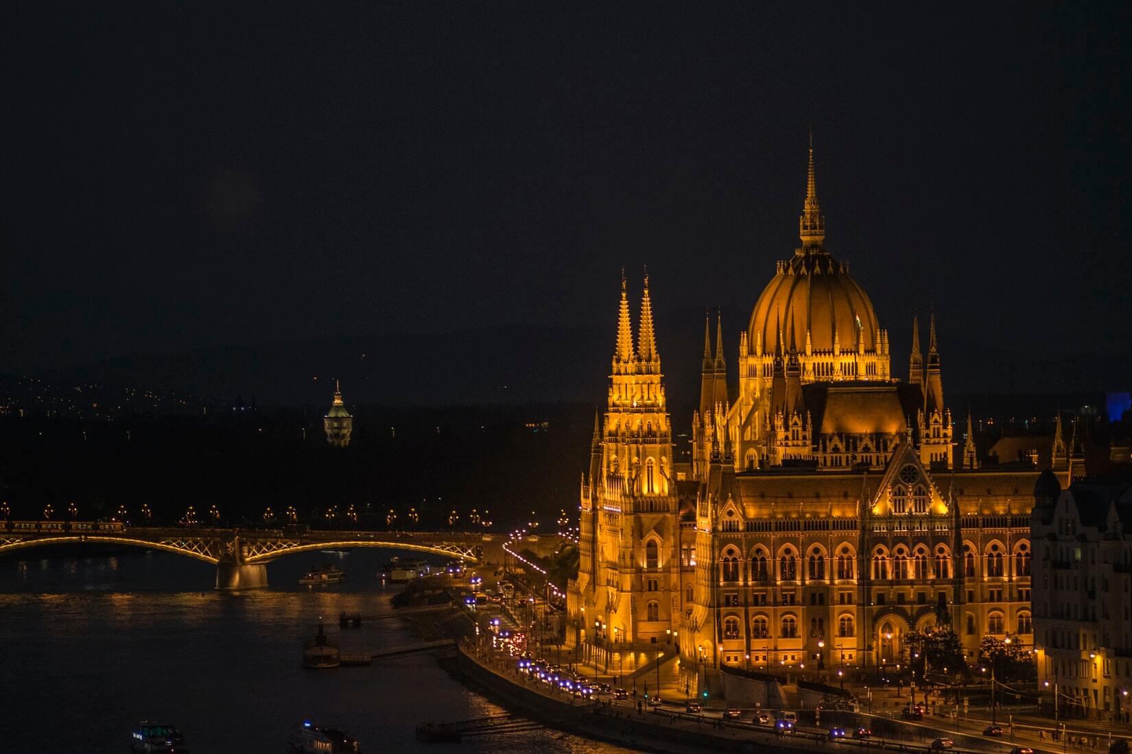 Теперь точно: Венгрия открылась для привитых россиян