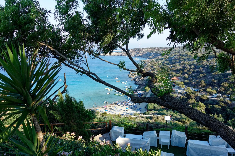 Отельеры Кипра оплатят тесты для непривитых туристов
